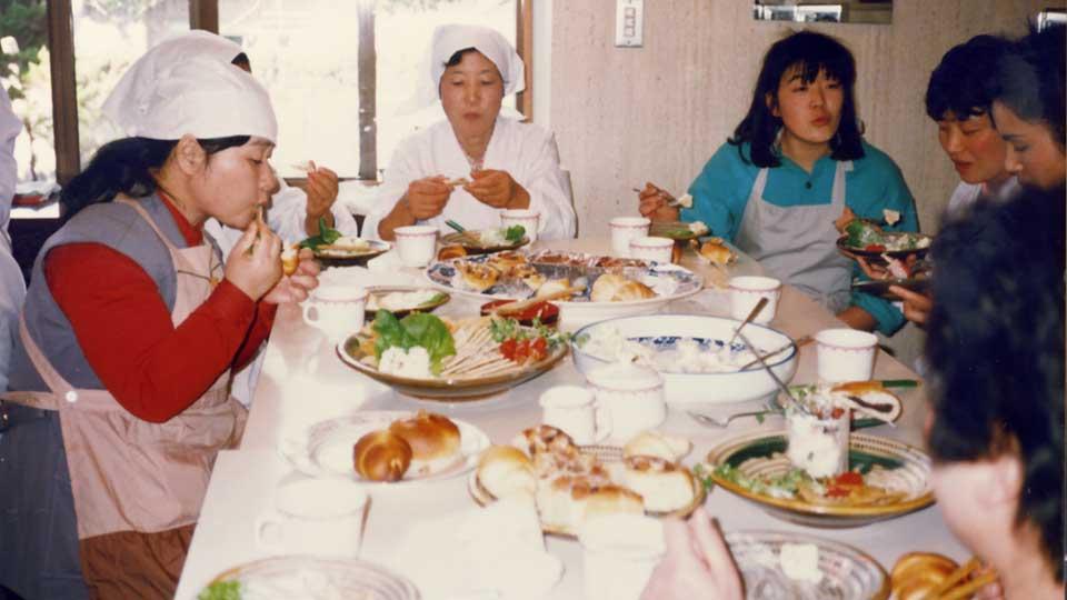 佐藤淳子の家庭料理教室の様子